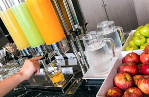 3 Top Budget Hotel Chains Offer Healthier Free Breakfasts