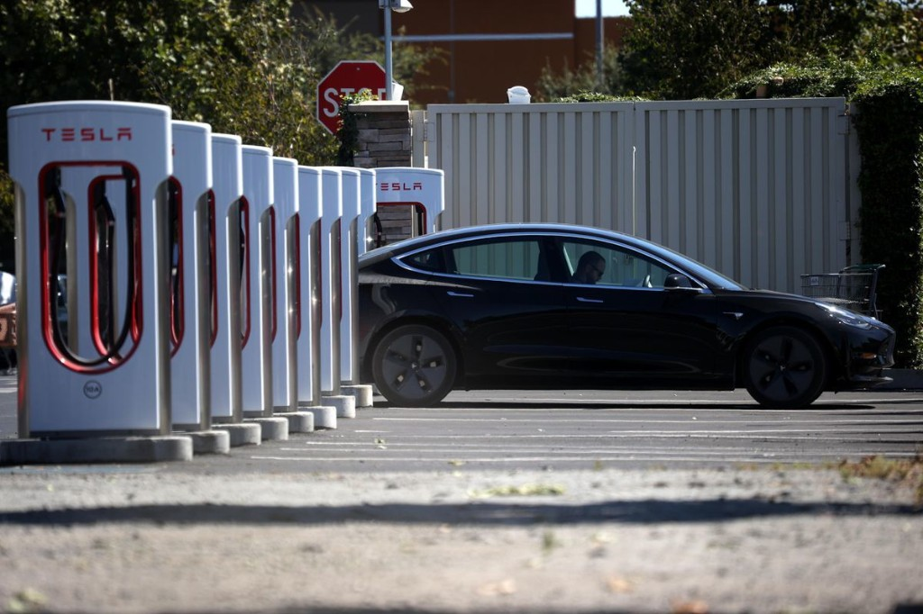 California Governor's Political Ploy To Ban Sale Of New Gas-Powered Cars