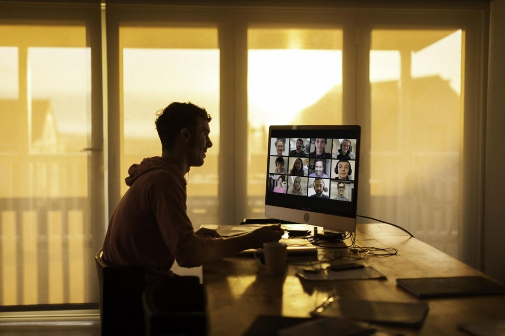 The Best Zoom Meeting Setup: 5 Strategies For Successful Virtual Office Presentations
