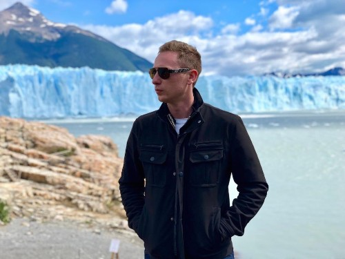 The Entrepreneur Teaching Travelers How To Enjoy A Global Career While On The Move