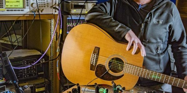 Physicists Play Guitar To Demonstrate The Potential Of Quantum Radio