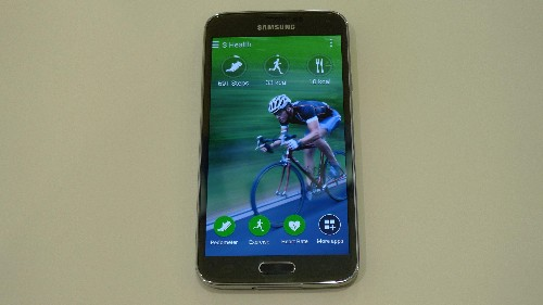 Samsung Galaxy S5 Hands-On Review: Evolution Not Revolution Gives Hope To Rivals