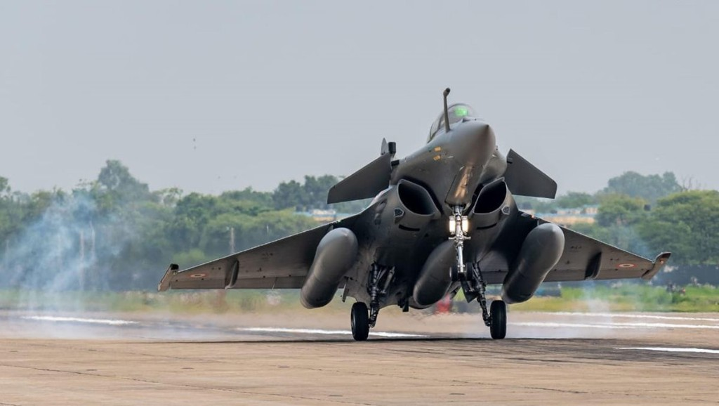 Should China Fear India's New Rafale Fighters?