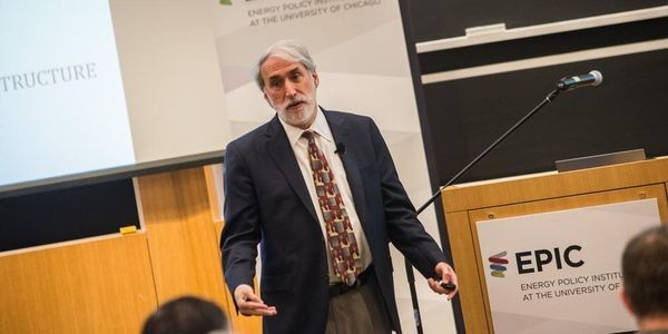 Harvard Scientist Engineers Bacterium That Inhales CO2, Produces Energy -- A 'Bionic Leaf'