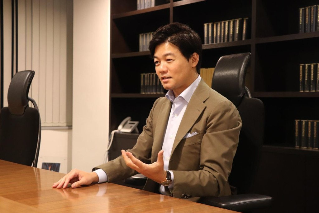 Japanese Lawmaker Becomes Billionaire By Selling E-Signature Services Amid Work-From-Home Revolution