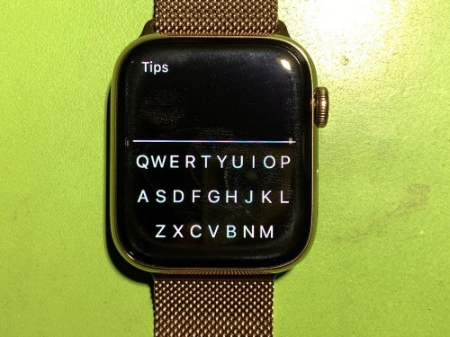 Apple Watch FlickType Gesture Keyboard App Makes Typing A Breeze: Is It Any Good?