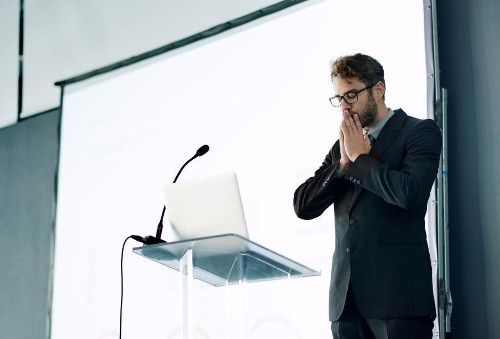 This 5 Second Trick Has Been Proven To Drastically Improve Your Presentation Skills