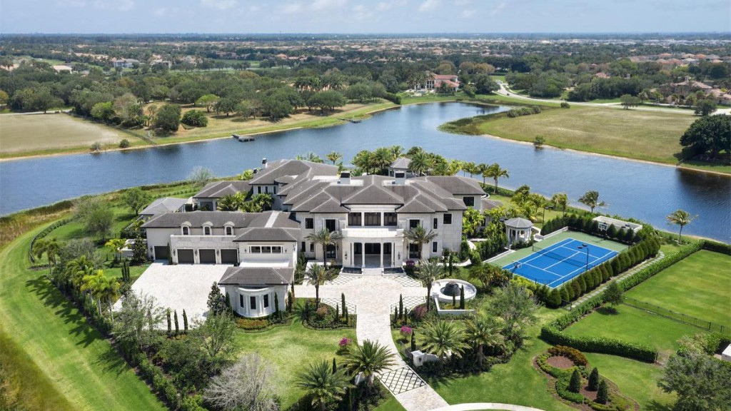Outrageous Florida Mansion Has 250,000-Gallon Saltwater Pool Inspired By The Wynn Las Vegas