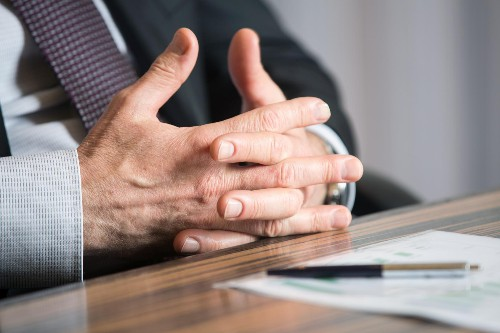 8 Mistakes Entrepreneurs Make When Pitching To Investors