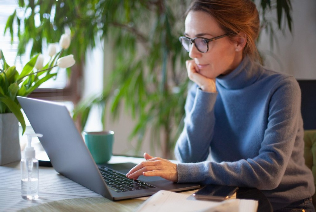 9 LinkedIn Newsletters Every Professional Needs To Read