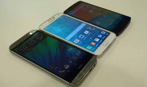 Samsung Galaxy S5, HTC One M8 and LG Nexus 5 Compared As They Pose Side-By-Side