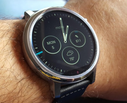 Motorola Puts The Personal Touch On Smartwatches