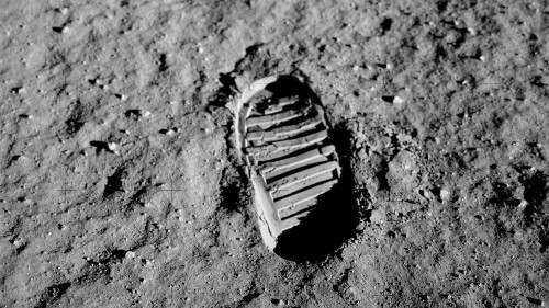How To Find Apollo 11's Landing Site On The Moon With Your Own Naked Eyes