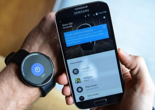 Apple Watch? While Google Eyes Android Wear iOS Compatibility, Moto 360 Enjoys A Price Cut