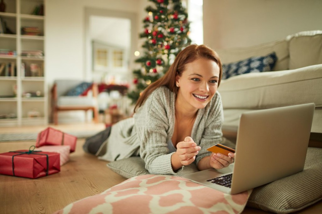 This Week In Credit Card News: Online Holiday Shopping Will Soar; Lucrative Card Bonuses Available