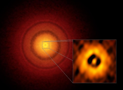 ALMA's Stunning Image Of A Protoplanetary Disk Sheds Light On Planet Formation