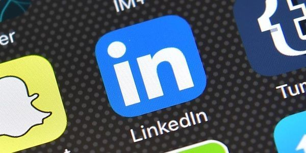 LinkedIn Smart Replies Automate Small Talk
