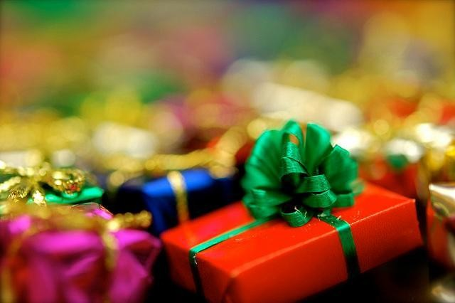 2014's Best Corporate Holiday Gifts For Professional Women