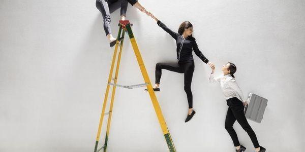 New LeanIn Study: The Broken Rung Keeping Women From Management