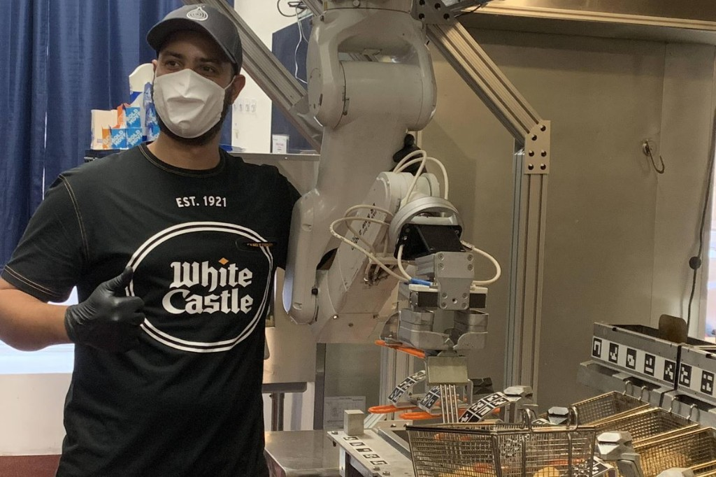 White Castle Plans To Use Flippy The Robot In More Locations