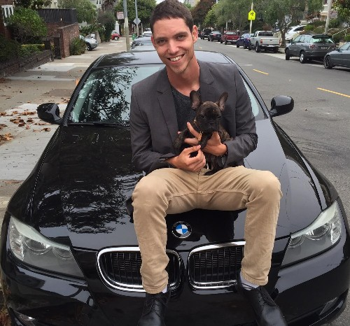 How This 22-Year-Old Makes Money Helping Carless People Drive For Uber And Lyft