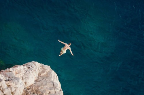 6 Ways Pushing Past Your Comfort Zone Is Critical To Success