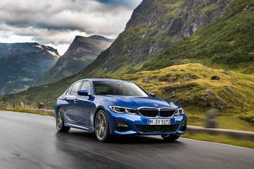 Paris Auto Show: BMW Unveils New 3-Series