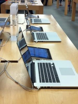 How Apple Store Seduces You With The Tilt Of Its Laptops