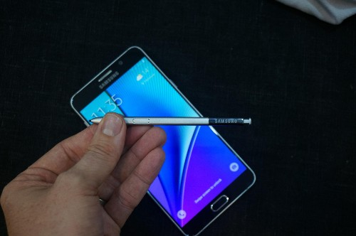 Samsung Galaxy Note 5 Pen Stuck? There's A Free And Simple Way To Get It Out Again