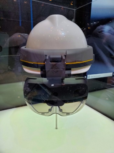 Microsoft Stole The Show With HoloLens 2 At MWC 2019