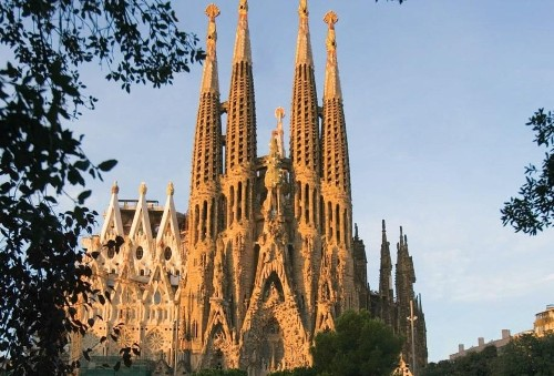 The Best Way To Spend 8 Hours In Barcelona