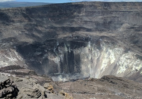 Someone Fell 70 Feet Into Hawaii's Kīlauea Volcano. It Could've Been Worse