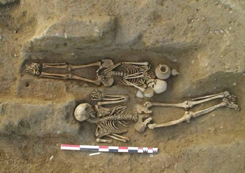Archaeologists Discover Important Etruscan-Roman Cemetery With Strange Burials In Corsica