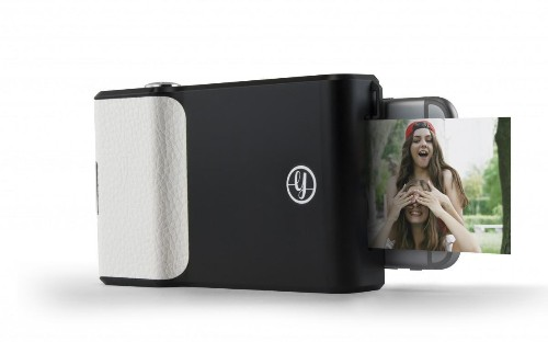 Prynt: Transforming an iPhone Into a Polaroid
