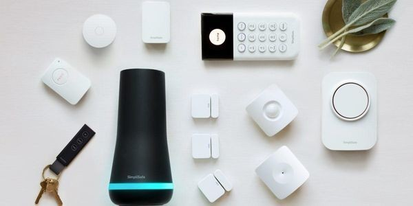 Review: SimpliSafe vs. LifeShield by ADT