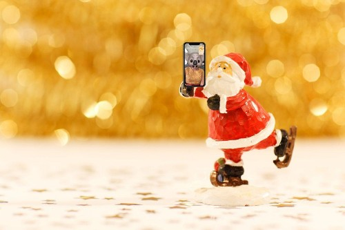 5 Tips To Help You And Your iPhone Battery Survive Christmas Day