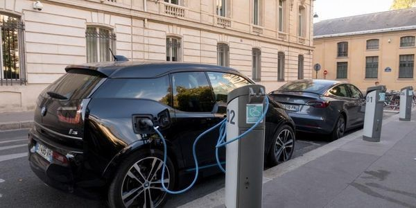 The Future Of Electric Vehicles: Will US Manufacturers Lead?