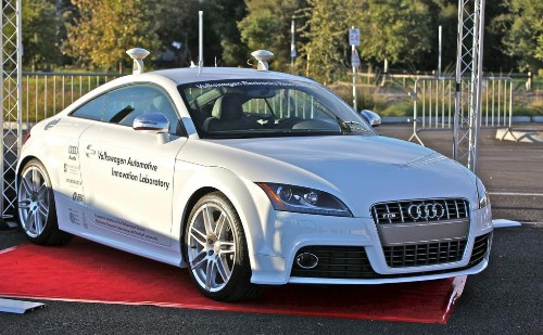 What Google Cars Can Learn From Killer Robots