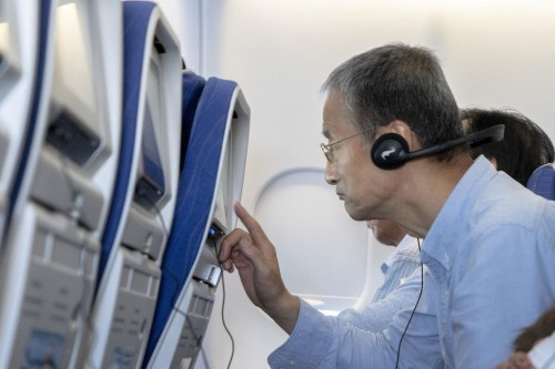 Airlines Sound The Death Knell For In-Flight Seatback Screens