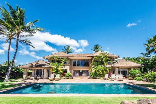 Live The Billionaire Lifestyle On Maui With Exotic Estates