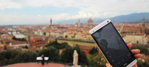 10 Tips for Travelling with a Smartphone