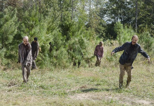 'The Walking Dead' Season 5, Episode 14 Review: Betrayal And Redemption