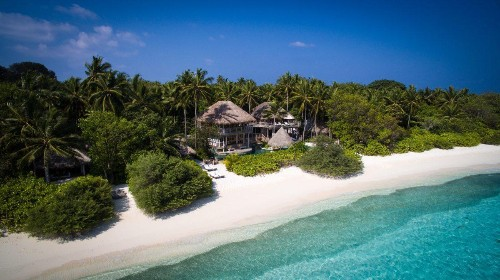 10 Coastal Resorts Conserving Our Oceans