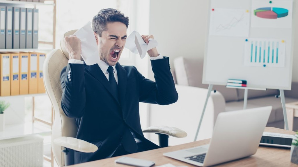 The 4 Signs You've Got A Toxic Boss And What You Can Do About It