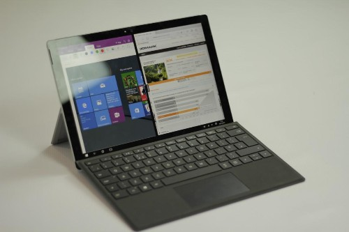 Gift This, Not That: Surface Pro 4 Vs. iPad Pro