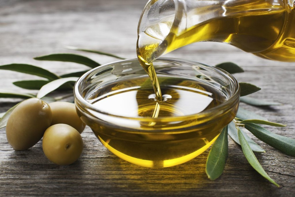 New Study Suggests Extra Virgin Olive Oil May Fight Toxic Proteins From Accumulating In The Brain