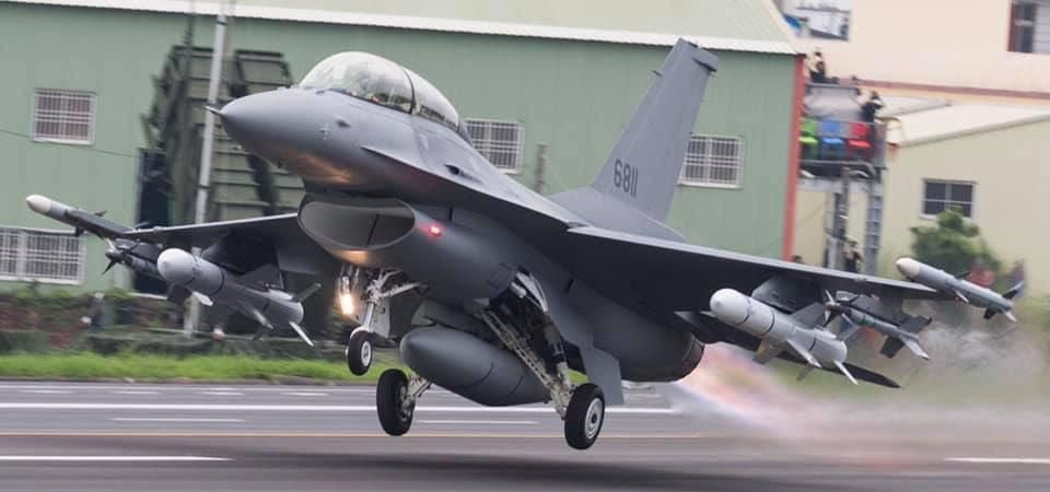 Reports: Taiwan Is Loading Up On Super-Accurate Missiles For Its F-16s