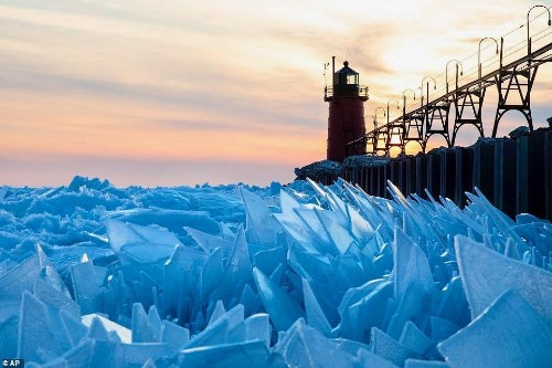 This Is Why Gorgeous Ice Shards Keep Piling Up Along Lake Michigan