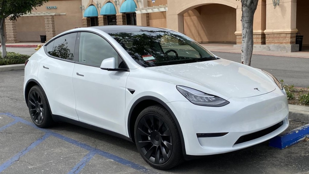 Quick Compare: 2020 Tesla Model 3 Vs Model Y After $3,000 Price Cut