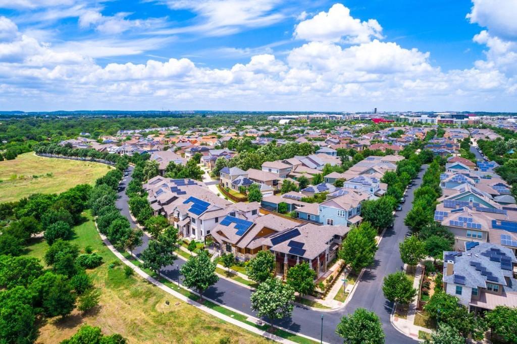 "The Housing Market Has A ""False Sense Of Confidence,"" One Expert Warns"
